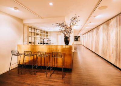 www.karlsson berlin.de karlsson penthouse startseite s01 bar web 900x598